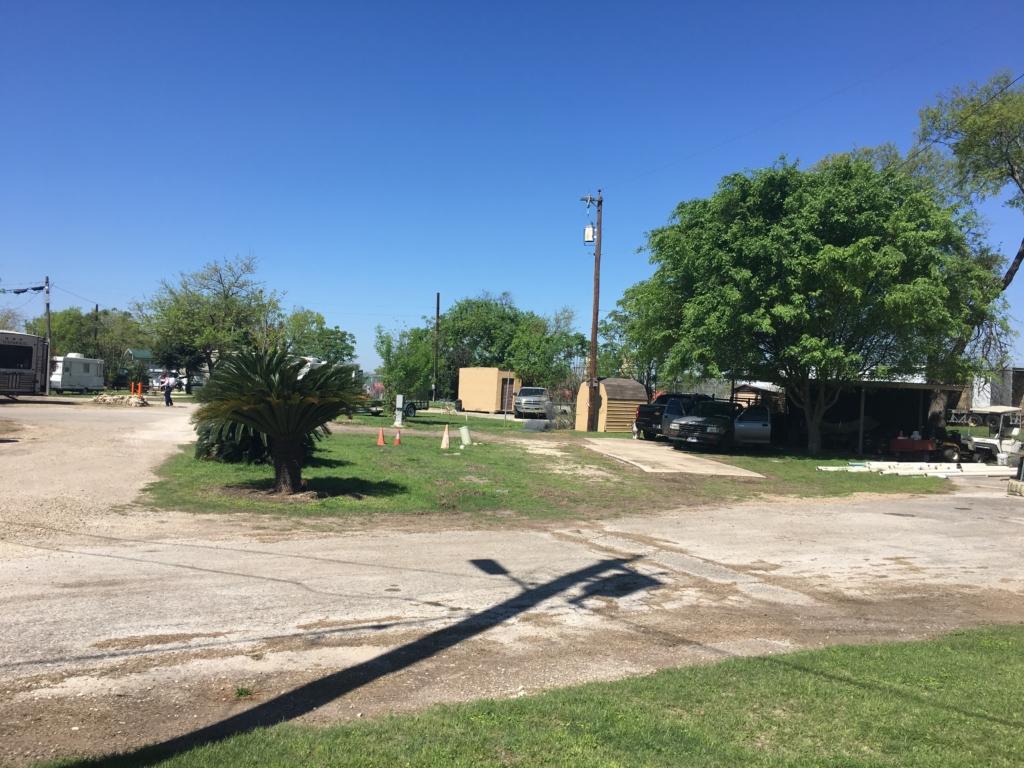 Dirt roads at Riverwalk RV Park in San Antonio, Texas