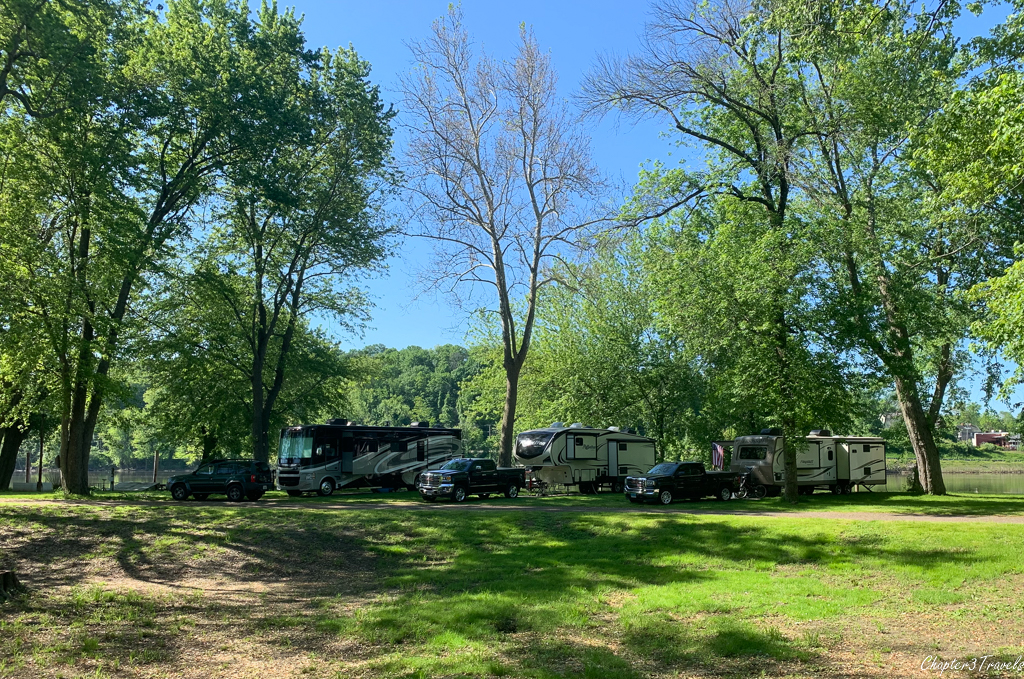 RVs at Portland Riverside Campground